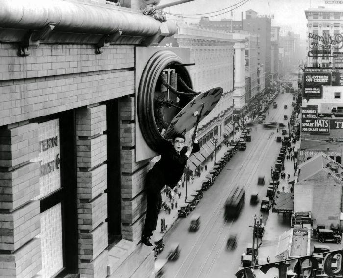 Safety-Last-1923-05