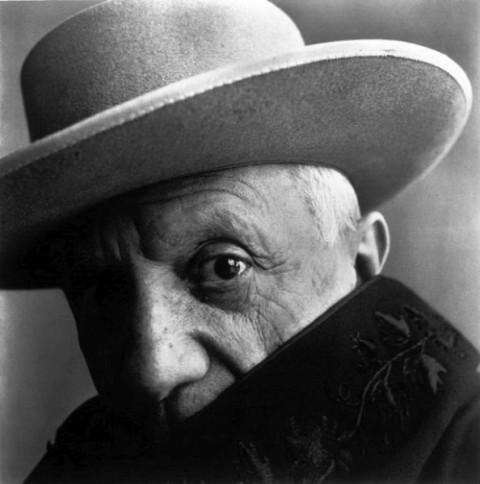 Biography: Fashion/Portrait photographer Irving Penn