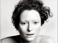 Biography: Fashion/Portrait photographer Richard Avedon
