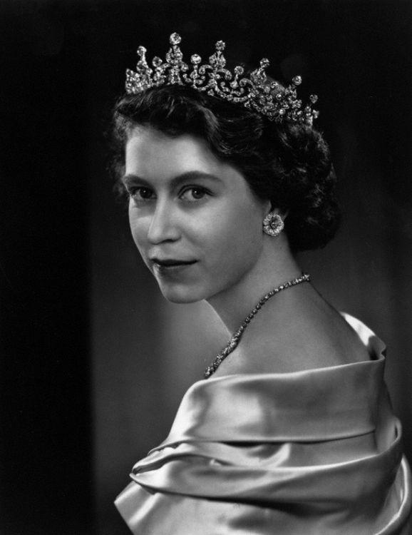 © Yousuf Karsh Queen Elizabeth II by Yousuf Karsh