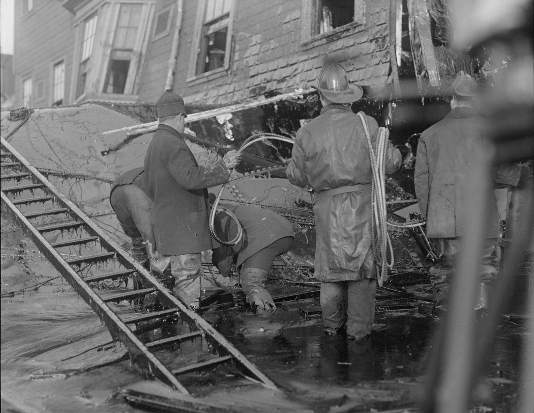 Boston-Molasses-Disaster-Flood-of-1919-03