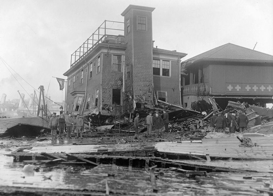 Boston-Molasses-Disaster-Flood-of-1919-05
