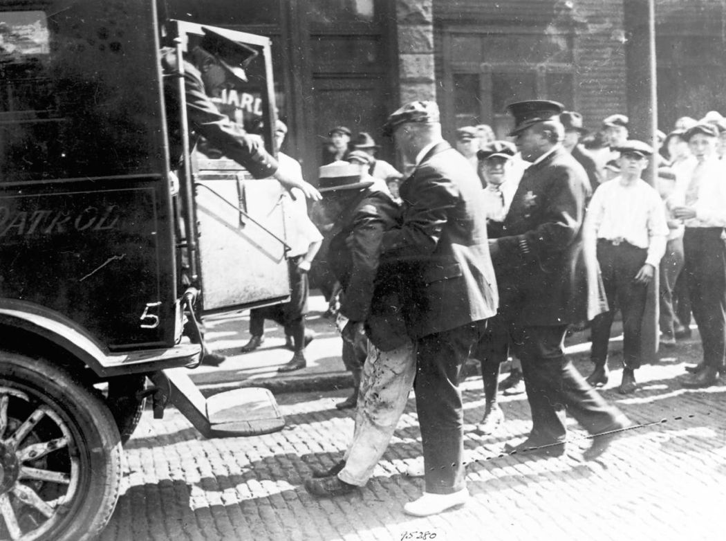 Chicago-1919-race-riot-04