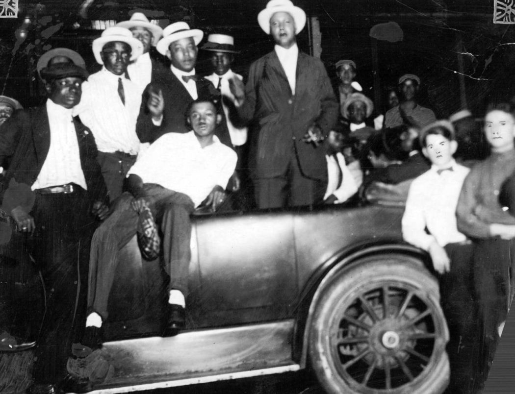 Chicago-1919-race-riot-12