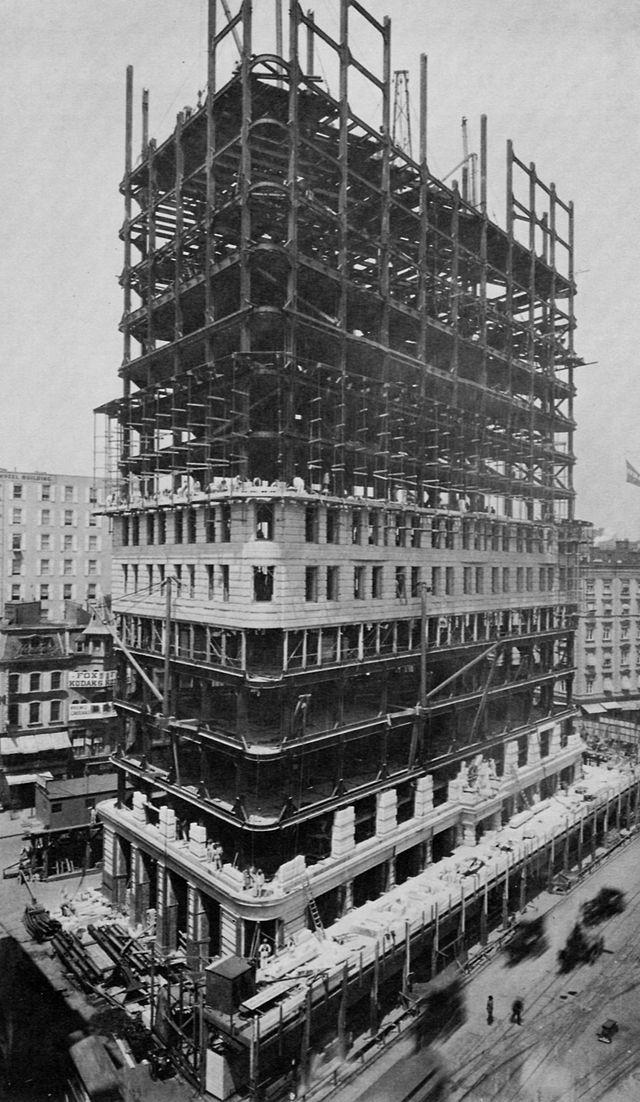 Flatiron_Building_New_York_City_1902-00