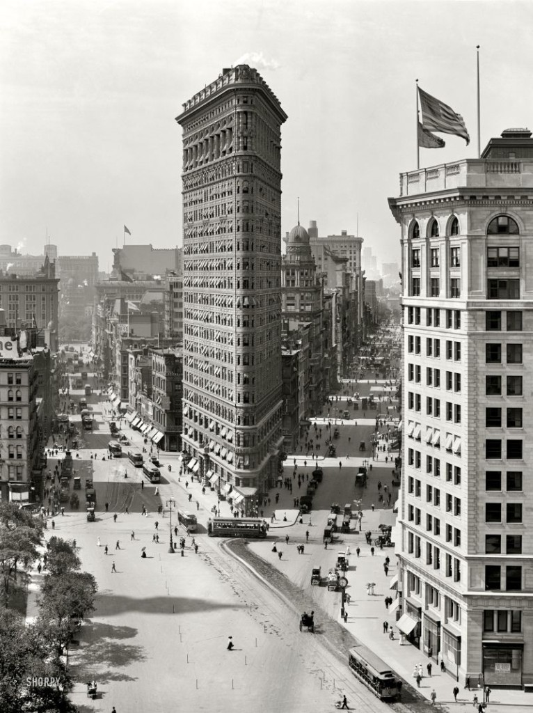 The Flatiron Building  MONOVISIONS - Black & White Photography Magazine