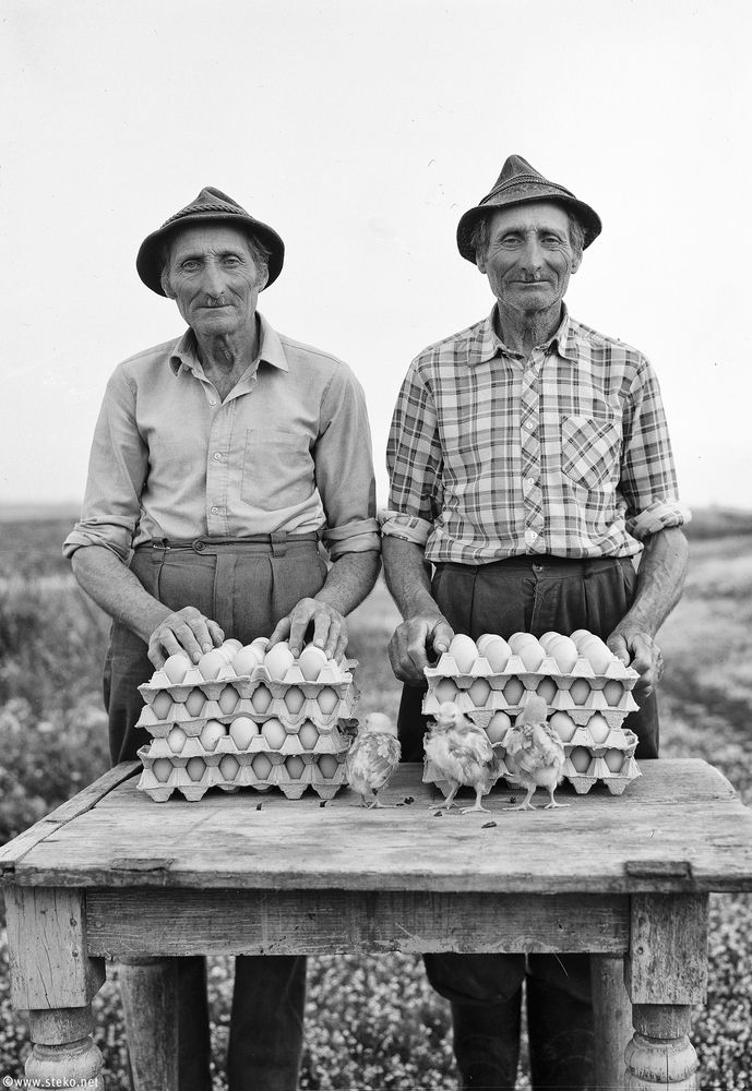 Janos-Stekovics-Twin-Farmers-At-The-End-Of-Their-Lives-03