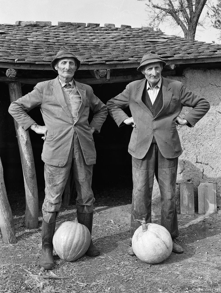 Janos-Stekovics-Twin-Farmers-At-The-End-Of-Their-Lives-07