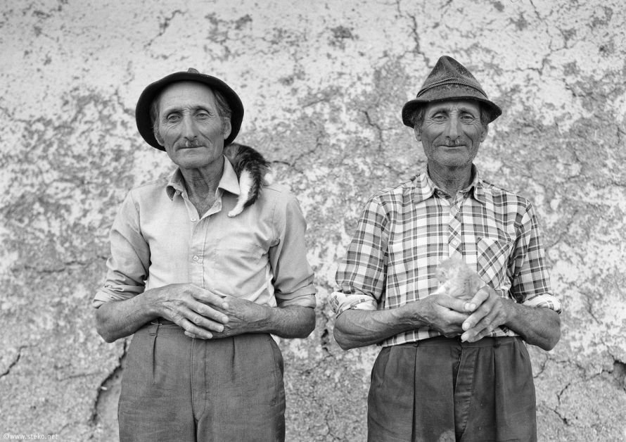 Janos-Stekovics-Twin-Farmers-At-The-End-Of-Their-Lives-12