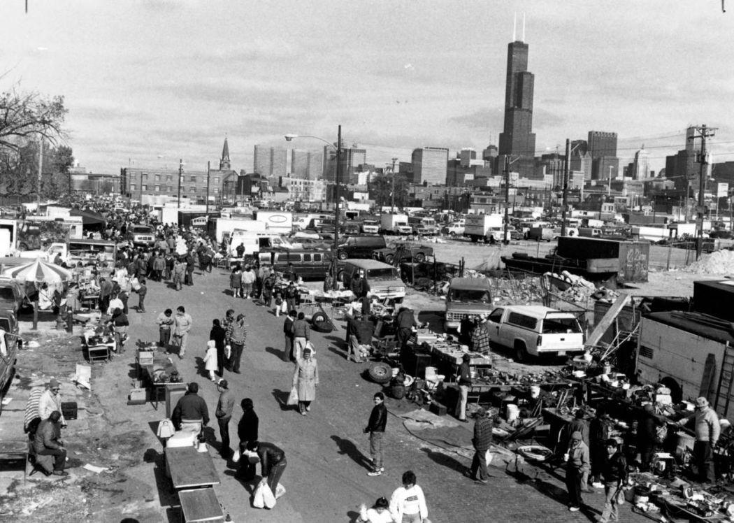 Maxwell-Street-Open-air-bazaar-Chicago-in-1800s-29