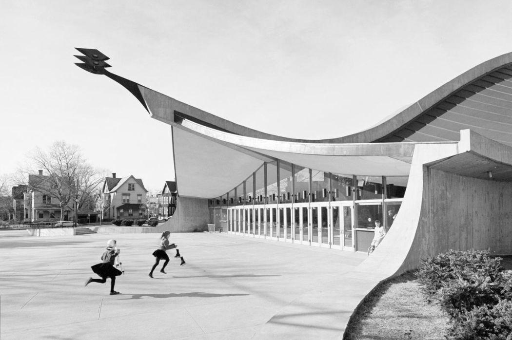 Neofuturistic-architecture-of-Eero-Saarinen-04