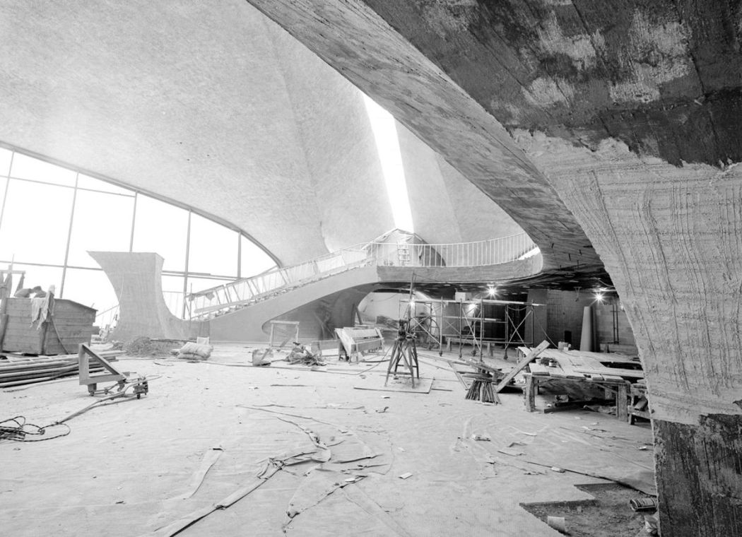 Neofuturistic-architecture-of-Eero-Saarinen-07