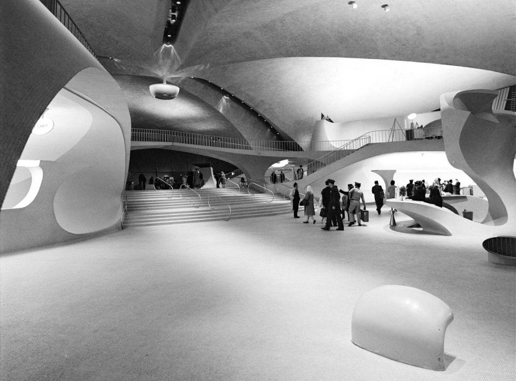 Neofuturistic-architecture-of-Eero-Saarinen-11