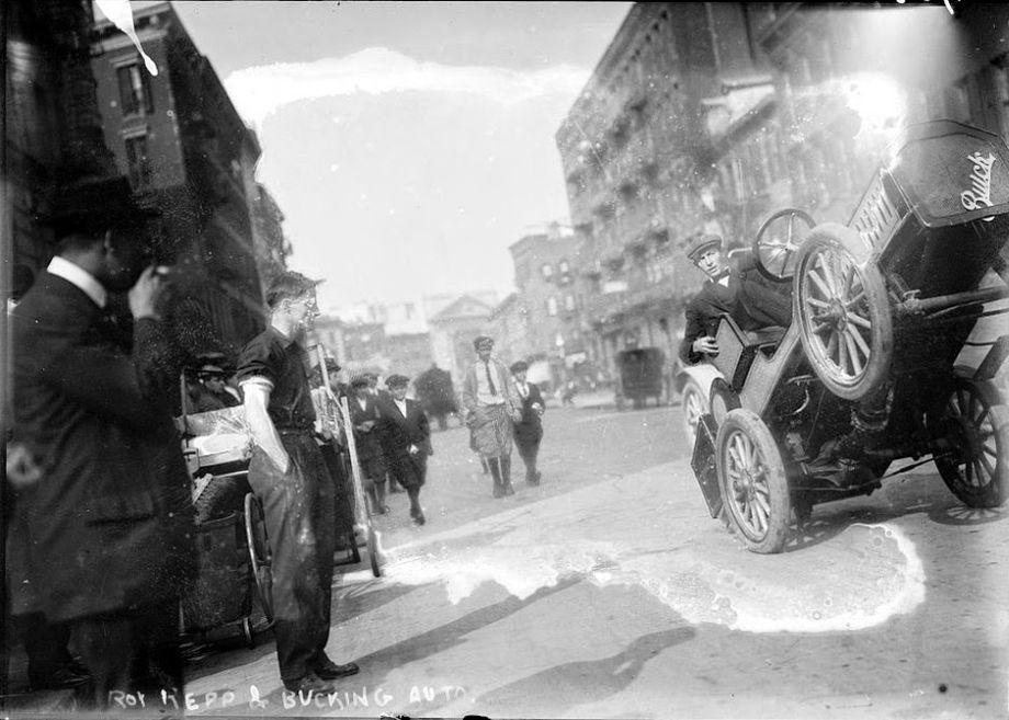 Roy-Repp-bucking-Buick-Maude--Motor-Mule-1915-01