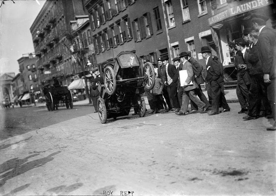 Roy-Repp-bucking-Buick-Maude--Motor-Mule-1915-02