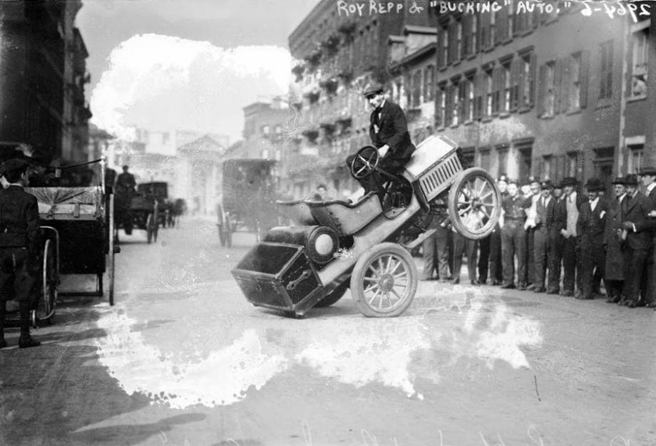 Roy-Repp-bucking-Buick-Maude--Motor-Mule-1915-04