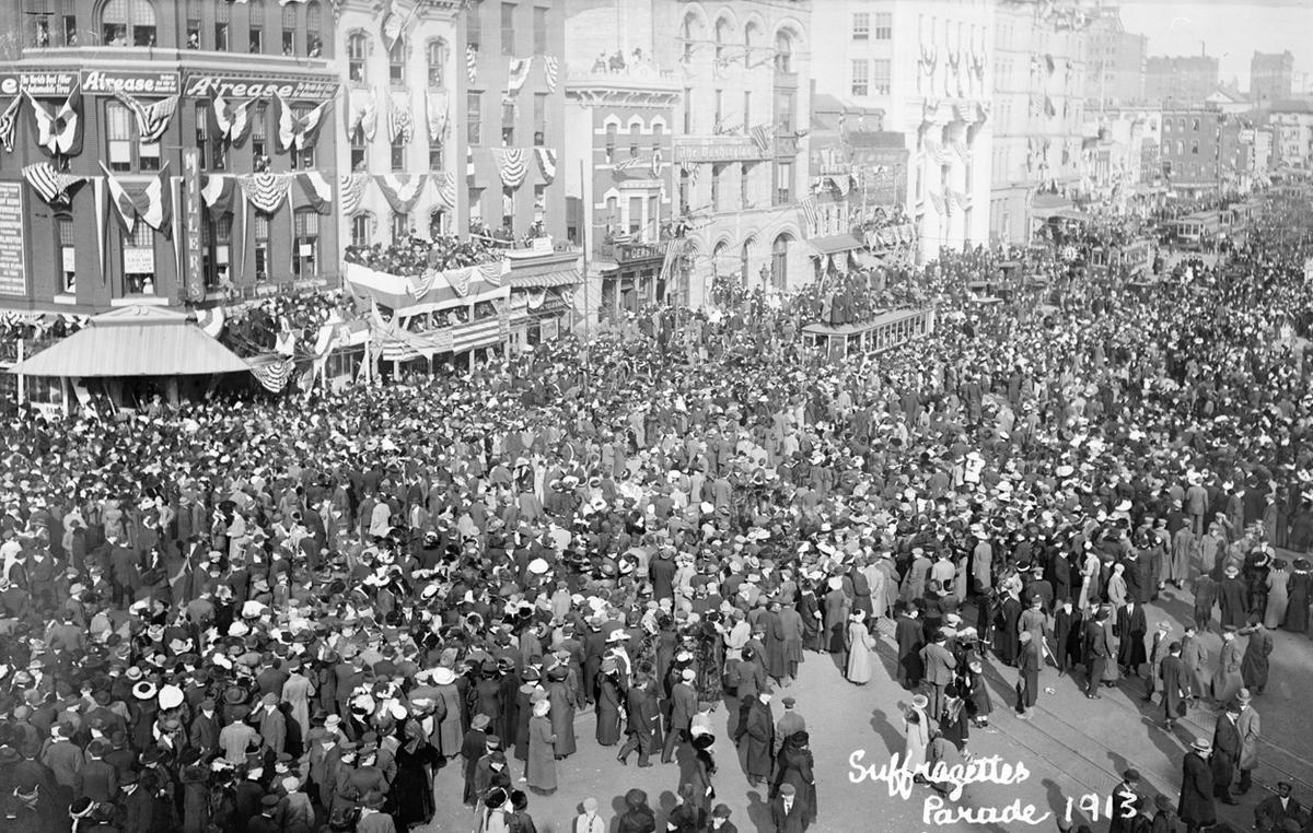 Woman-Suffrage-Parade-of-1913-12