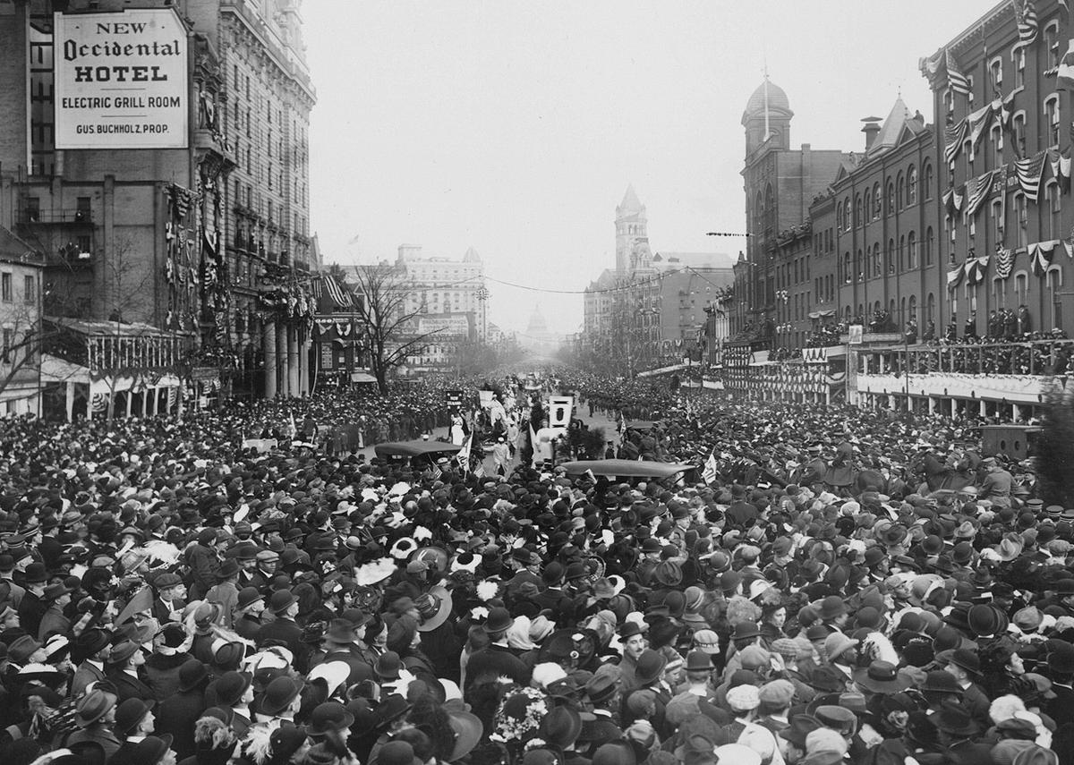 Woman-Suffrage-Parade-of-1913-14