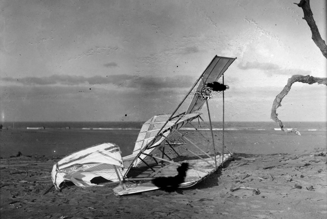 The Wright Brothers - First Flight in 1903 | MONOVISIONS
