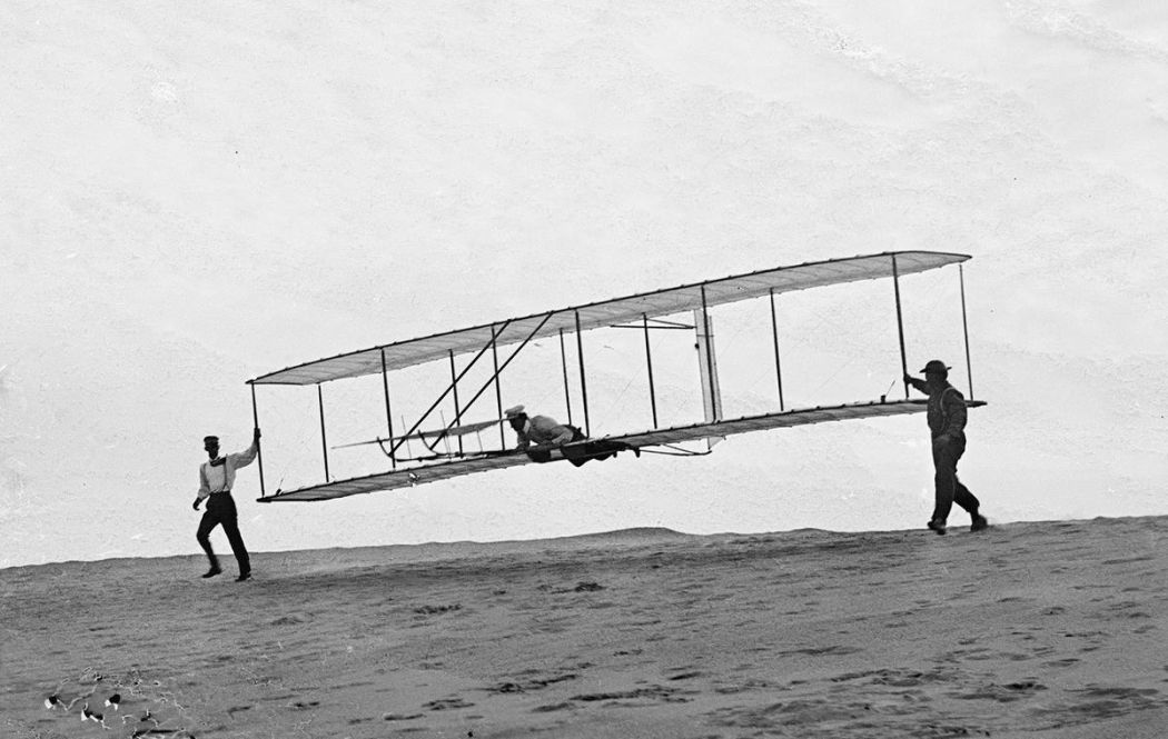 Wright-Brothers-First-Flight-in-1903-06