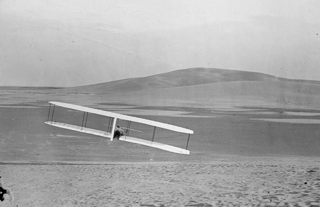 Wright-Brothers-First-Flight-in-1903-07