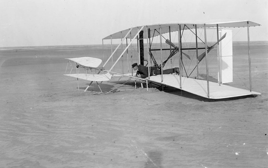 Wright-Brothers-First-Flight-in-1903-09