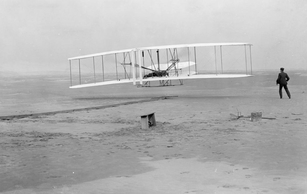 Wright-Brothers-First-Flight-in-1903-10