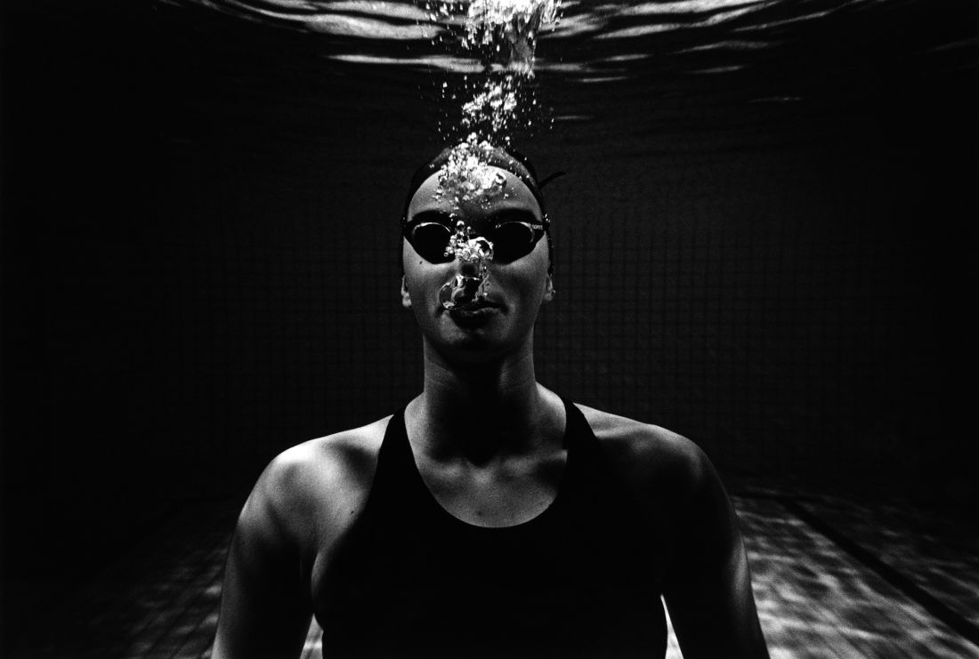 Tomasz-Gudzowaty-Synchronized-Swimming-03