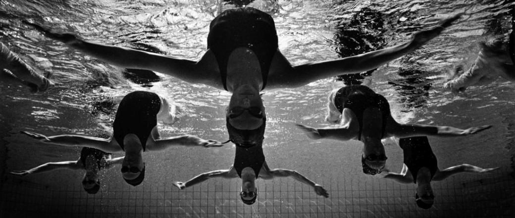 Tomasz Gudzowaty: Synchronized Swimming