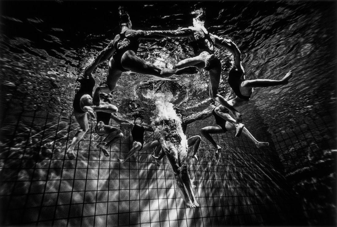 Tomasz-Gudzowaty-Synchronized-Swimming-10