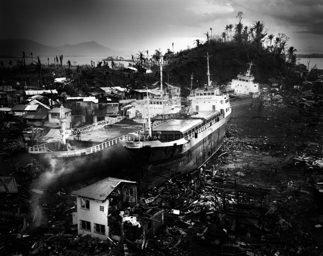 tomasz-gudzowaty-typhoon-haiyan-philippines-01