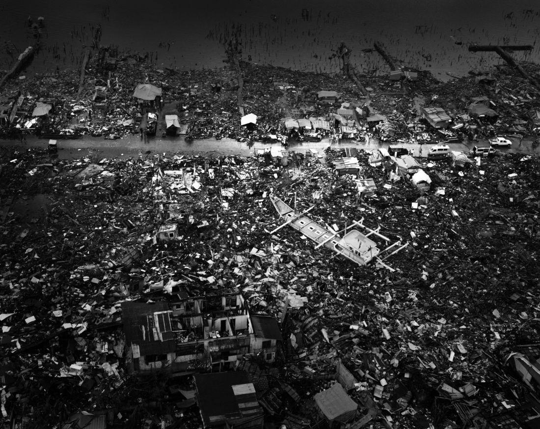 tomasz-gudzowaty-typhoon-haiyan-philippines-04