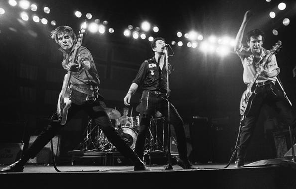 Clash & Simonon, Paul & Headon, Topper & Strummer, Joe & Jones,