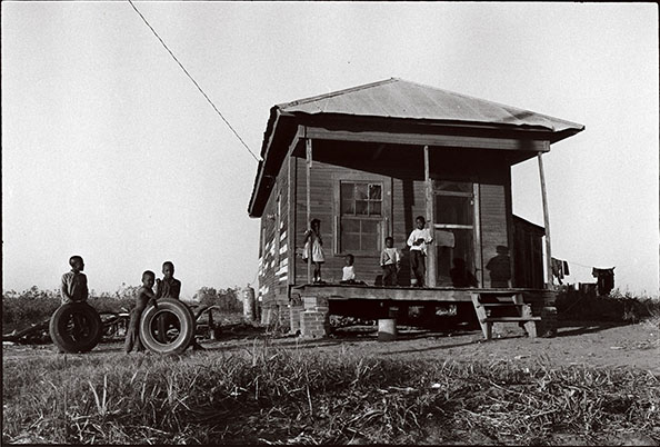 Danny Lyon A house in the Delta, Mississippi, 1963