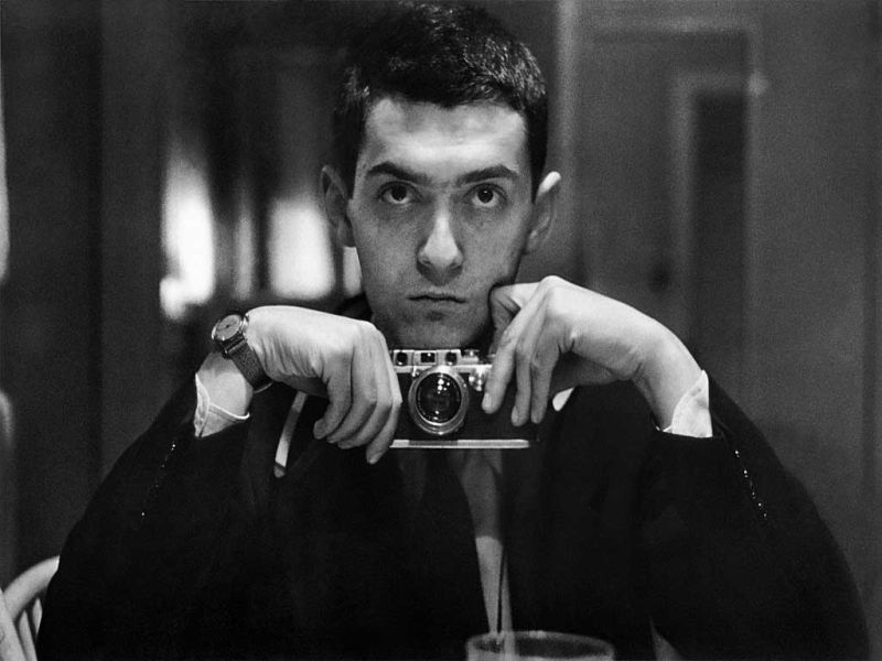 10-black-and-white-photos-of-celebrities-with-cameras-Stanley Kubrick