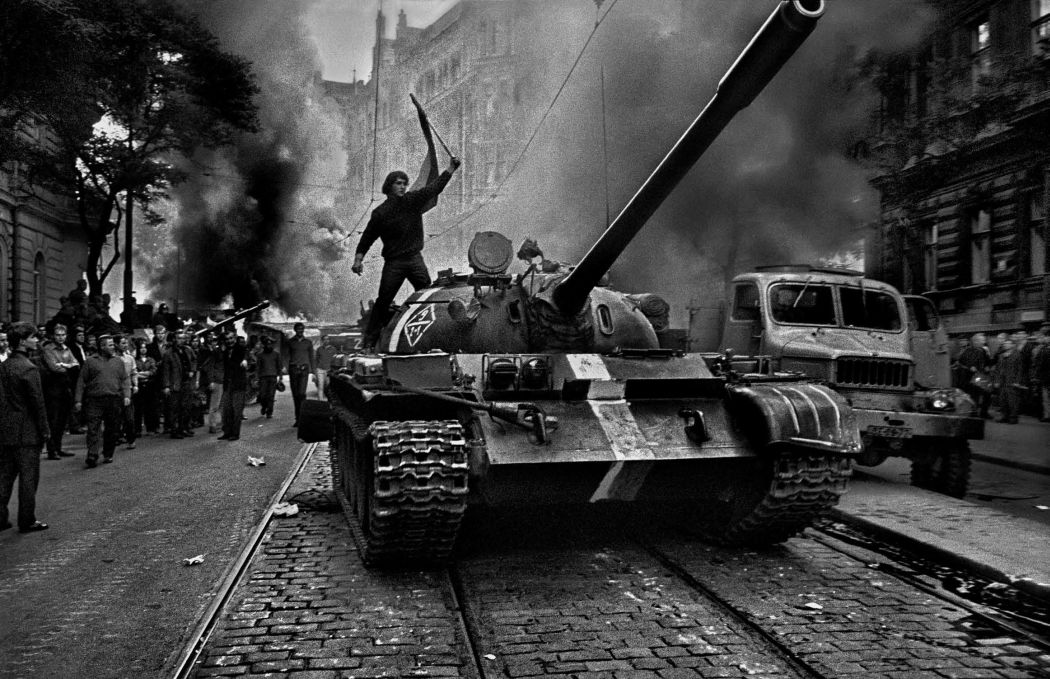 10-famous-black-and-white-photojournalists-josef-koudelka