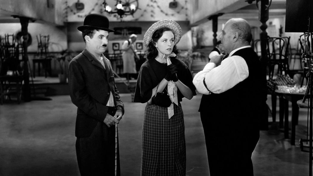 Behind-the-scenes-Chaplin-Charlie-Modern-Times_(1936)-64
