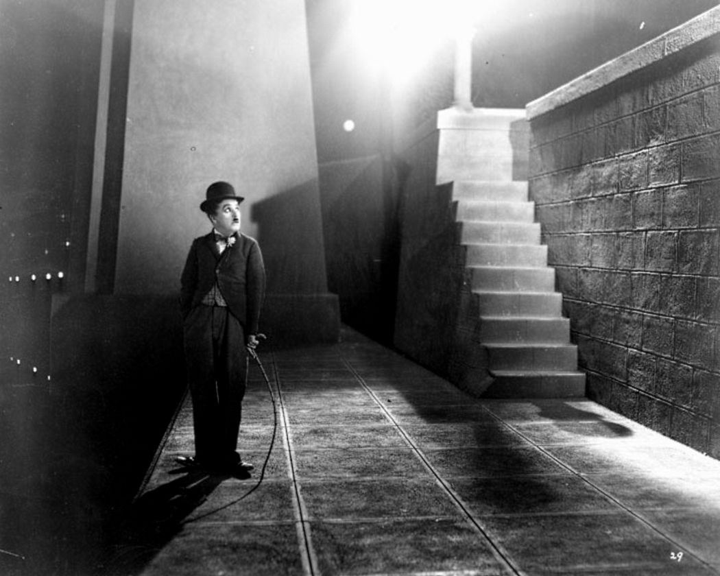 "Reasons Why ""City Lights"" Is Charlie Chaplin's most popular film – Almost  Alien"