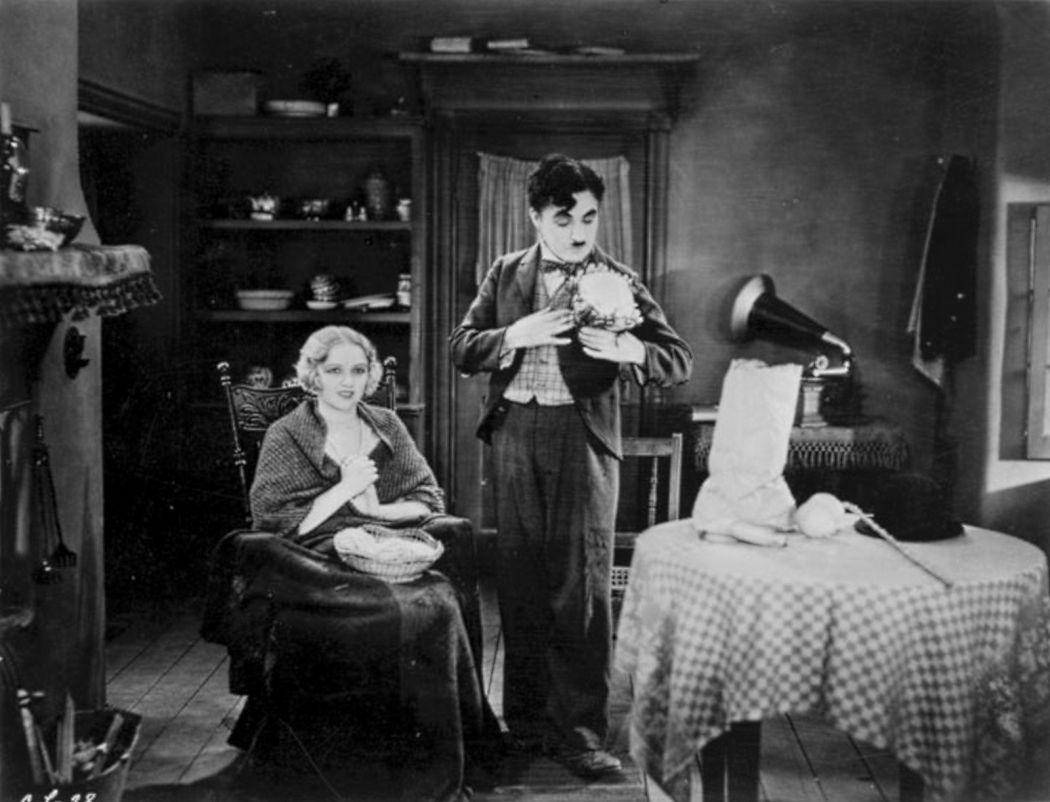 Charlie-Chaplin-City-Lights-(1931)-04