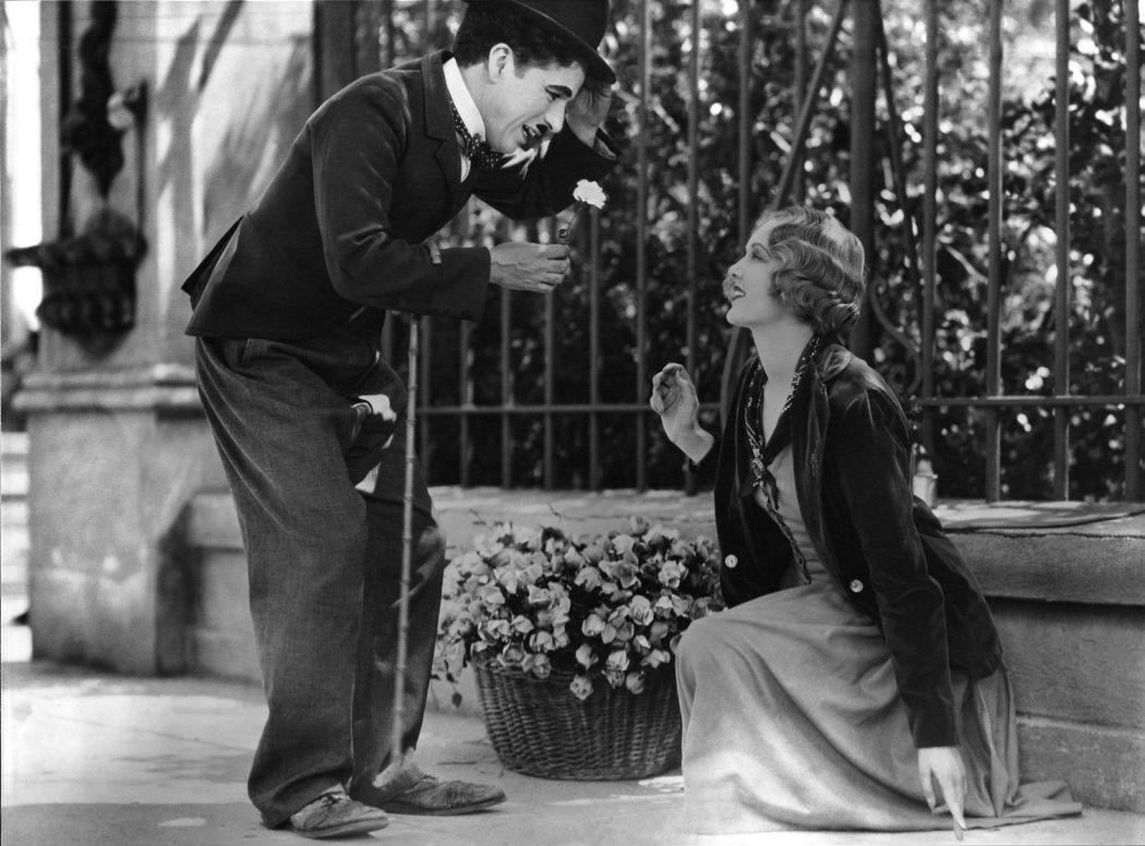 Charlie-Chaplin-City-Lights-(1931)-06