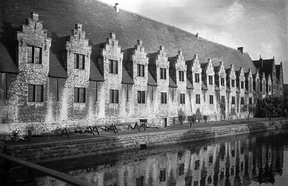La Grande Boucherie, (Het Groot Vleeshuis), the medieval butchers' hall at Groentenmarkt in Ghent.  1934