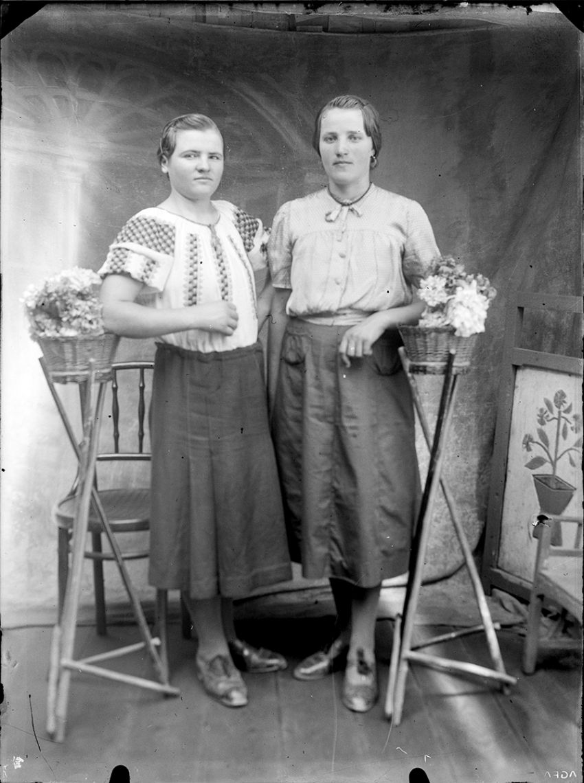 Glass-Plate Portraits from Romania (1940s) / Costică Acsinte / Public Domain