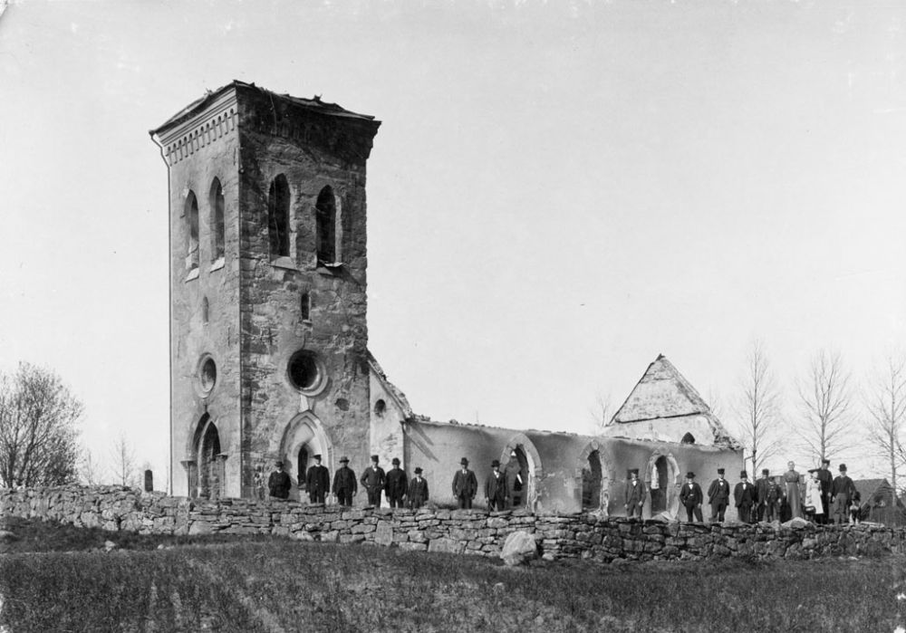 swedish-churches-from-1100-1900-62