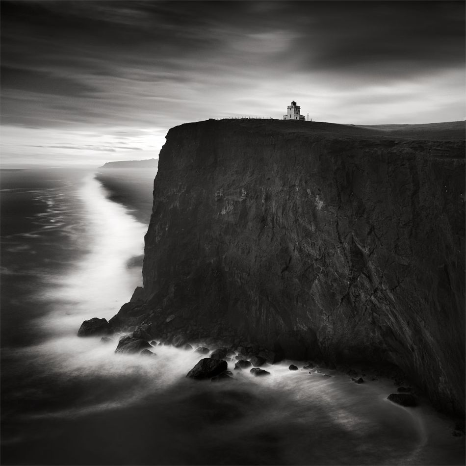 Jonathan chritchley storm dyrholaey lighthouse iceland jonathan chritchley top 10 black and white long exposure photographers