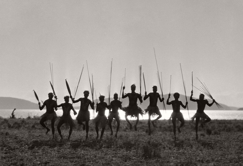 Aboriginal Dance, Palm Island, Queensland, 1930, photo: Emil Otto Hoppé