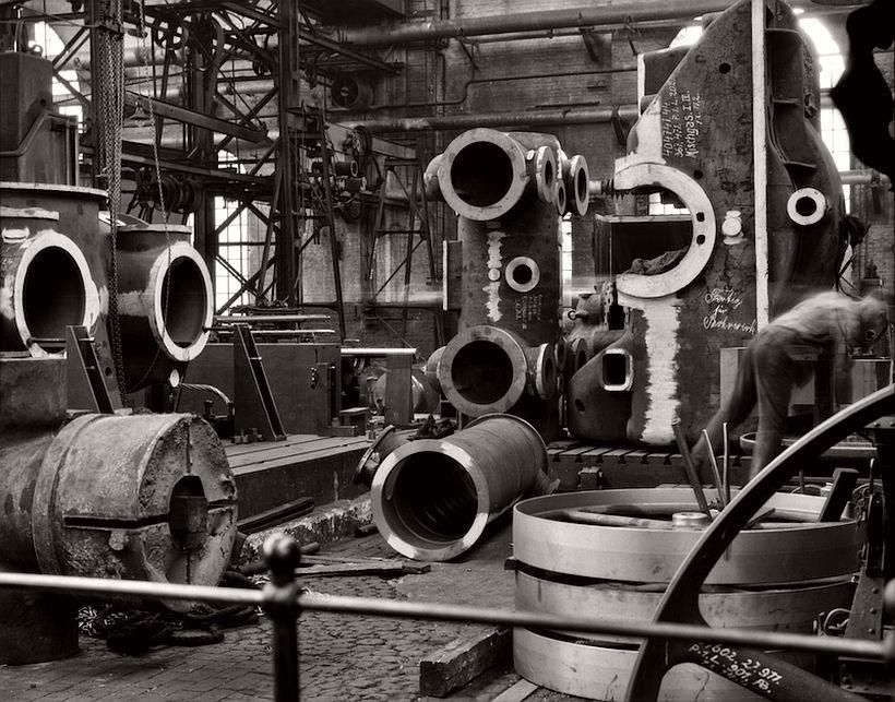 Factory floor, Borsig Locomotive Works, Berlin, 1928 - Emil Otto Hoppé: The German Work