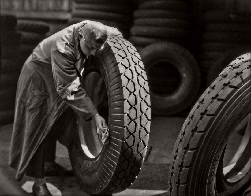 Continental Hanover Tyres, Cauchouc and Gutta Perola Co., 1928 - Emil Otto Hoppé: The German Work