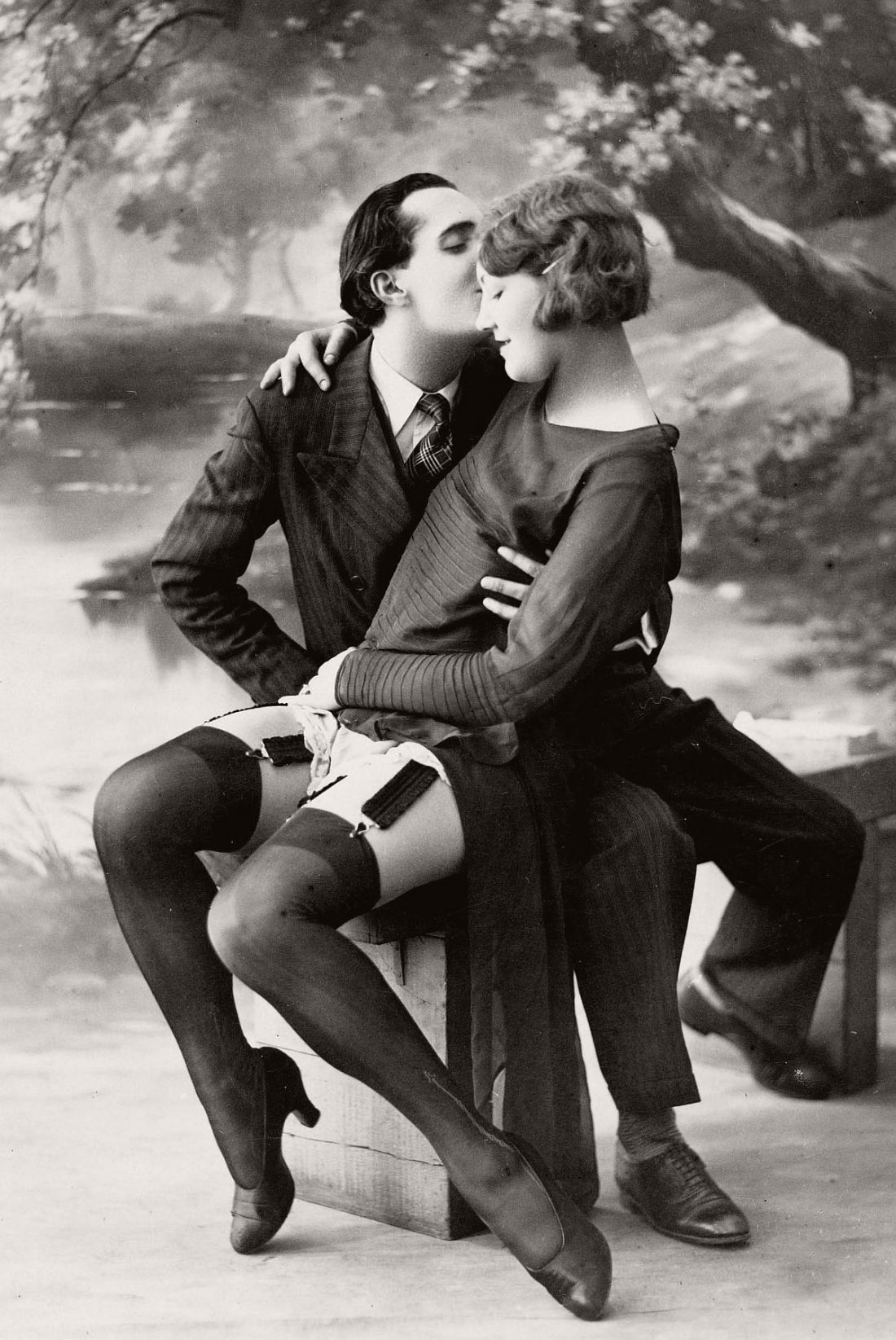 french-erotic-postcards-1920s-03