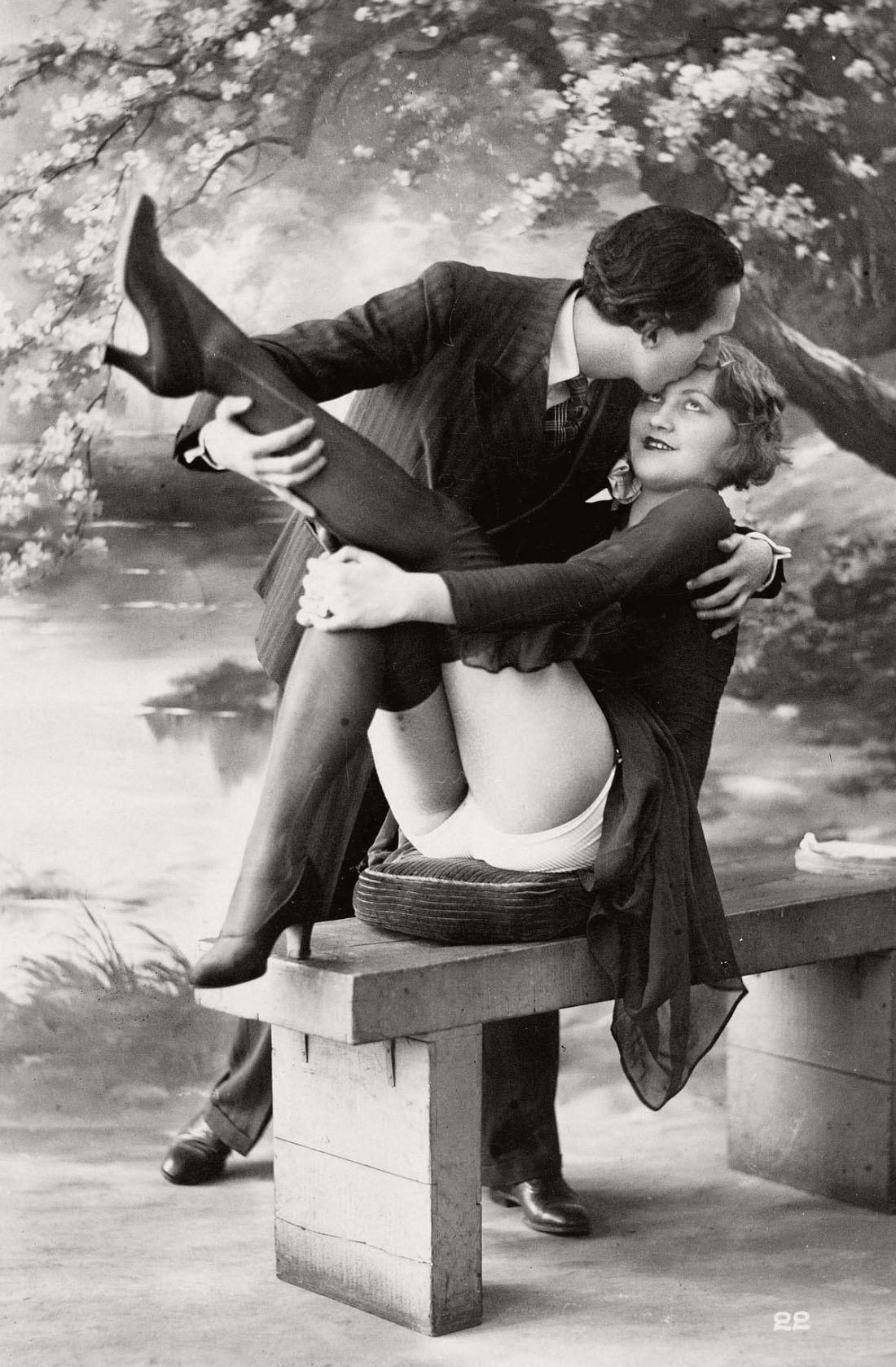 french-erotic-postcards-1920s-04