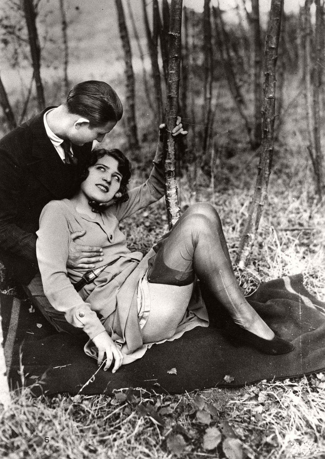 french-erotic-postcards-1920s-07